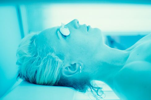 The FDA's Weak Medicine for Teen Tanning