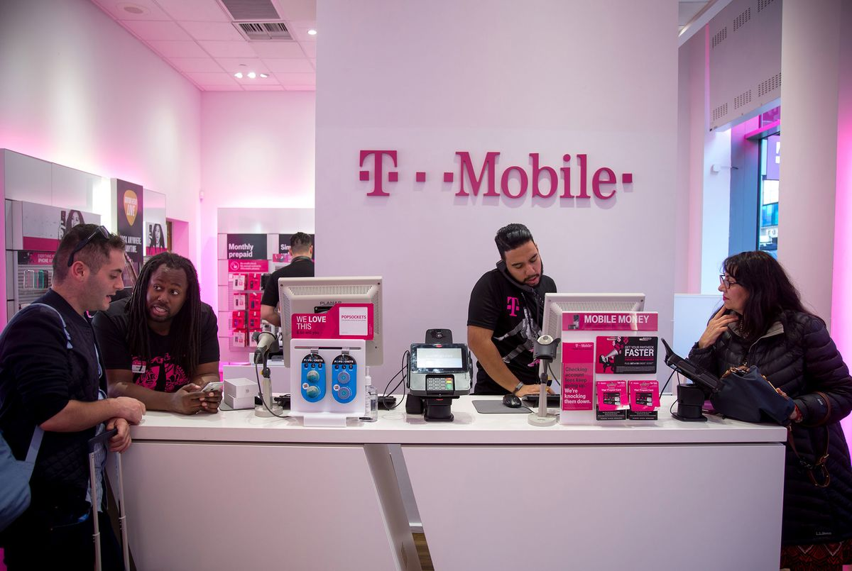 Home; t mobile work discount program › T-mobile employee discount program Get Deal Get a $ off discount on phones and tablets at T-Mobile! Offer available to eligible U.S. college students, K staff, and college staff. *Also the iPhone 8/8Plus is now eligible for this student discount at T-Mobile.