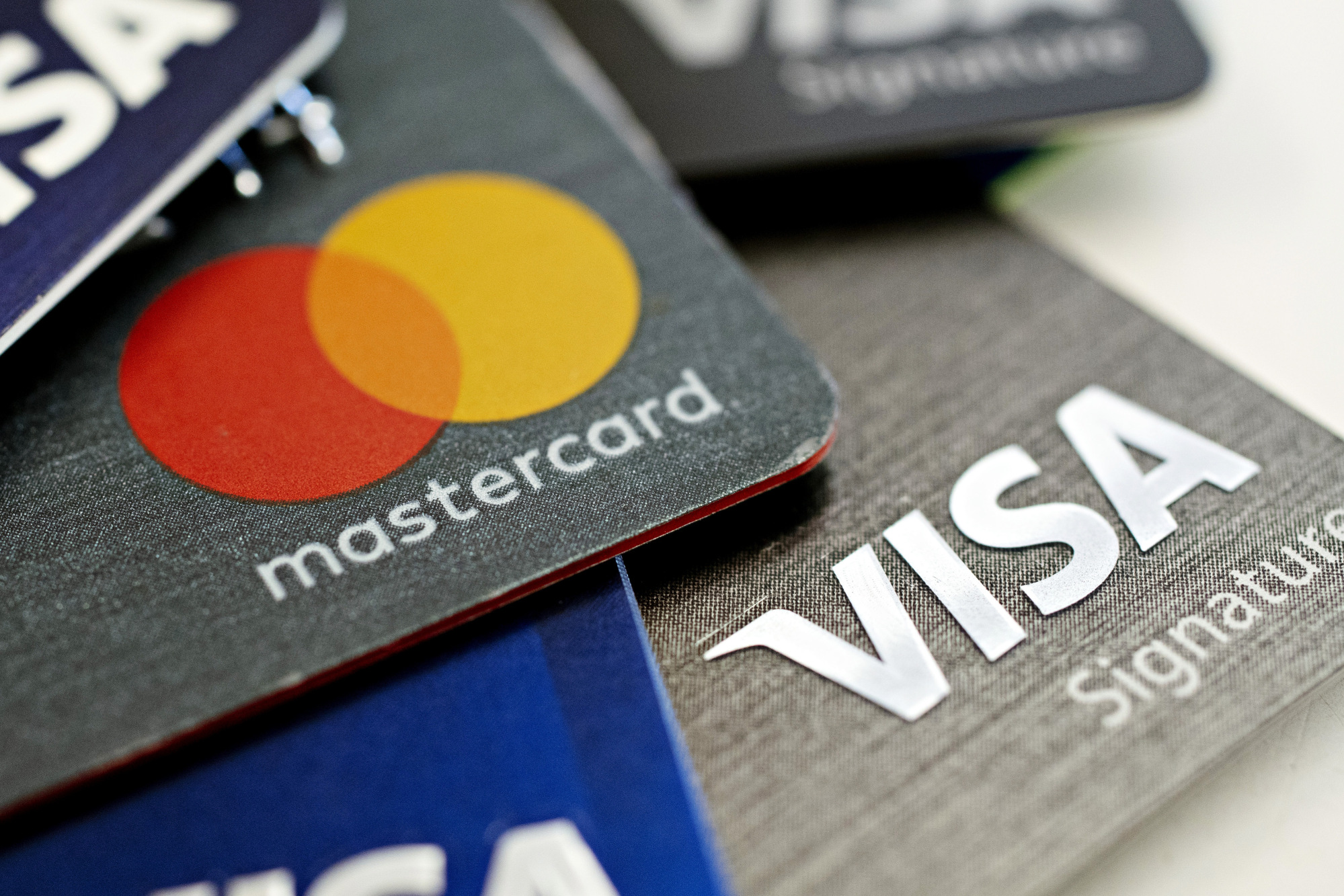 bloomberg.com - Nick Lichtenberg - Visa and Mastercard's Chinese Entry Delayed by Central Bank: FT