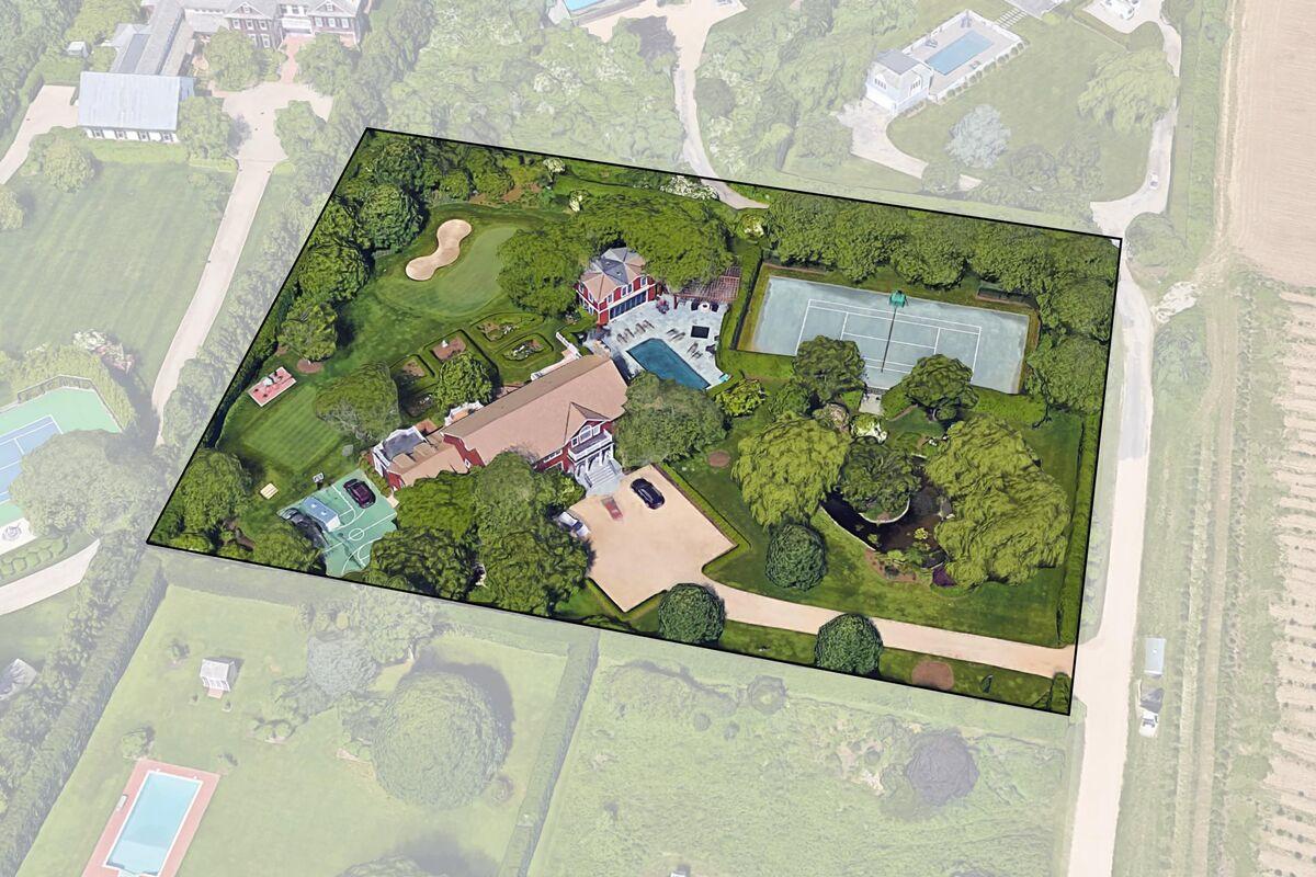 Manafort Can Keep Hamptons, New York Homes After Trump Pardon