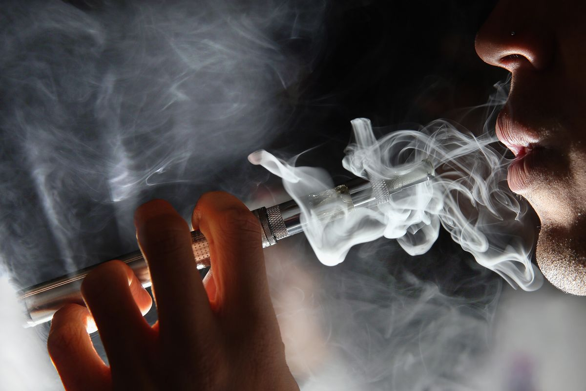 How Vaping-Related Deaths Put Cloud Over E-Cigarettes
