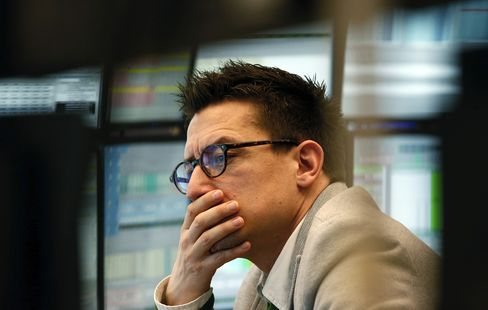 European Stocks Decline as PPR, Total Shares Drop