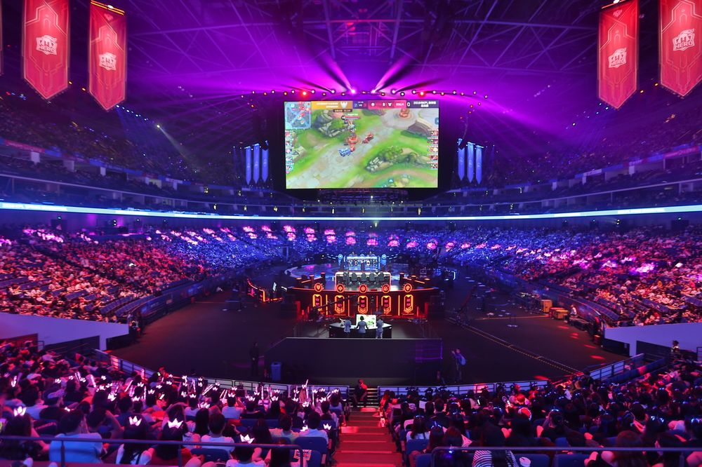 Inside Tencent's Gambit to Dominate a $13 Billion Esports Arena - Bloomberg