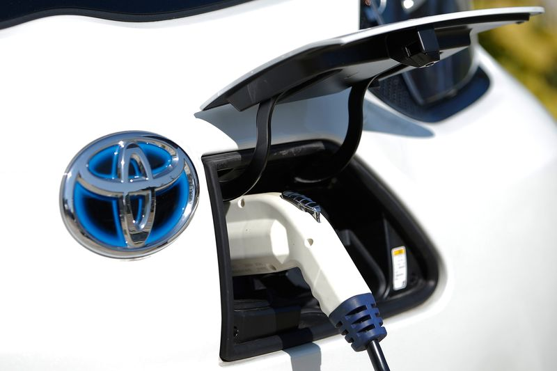 China Won T Let Toyota Ditch Its Electric Cars Bloomberg
