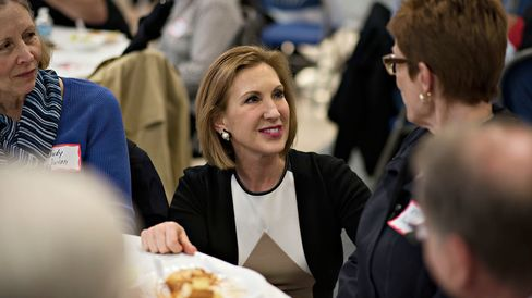Carly Fiorina speaks with attendees during the Johnson County Chili Supper at Clear Creek Amana High School in Tiffin, Iowa, on April 24, 2015.