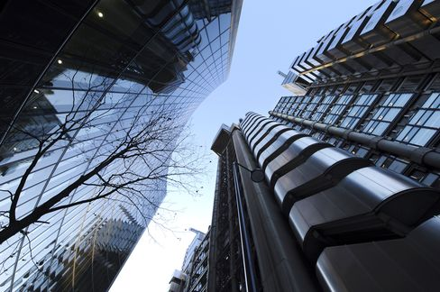 Lloyd's of London Posts 697 Million-Pound Loss