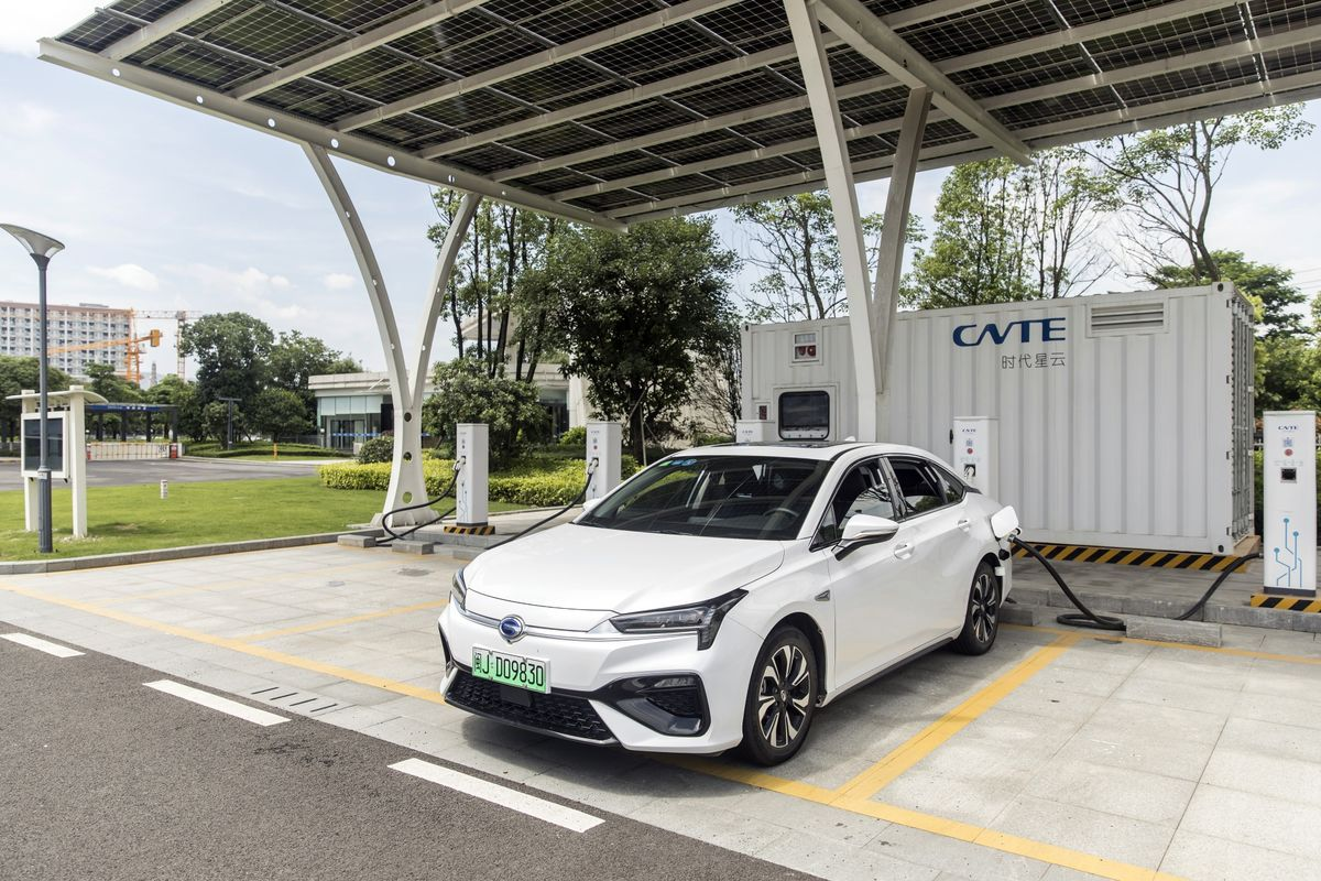 The Smartest EV Batteries May Not Be the Best Ones