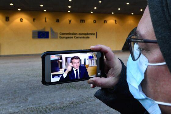 Macron Denounces Police Violence, Bigotry in Bid to Sway Youth