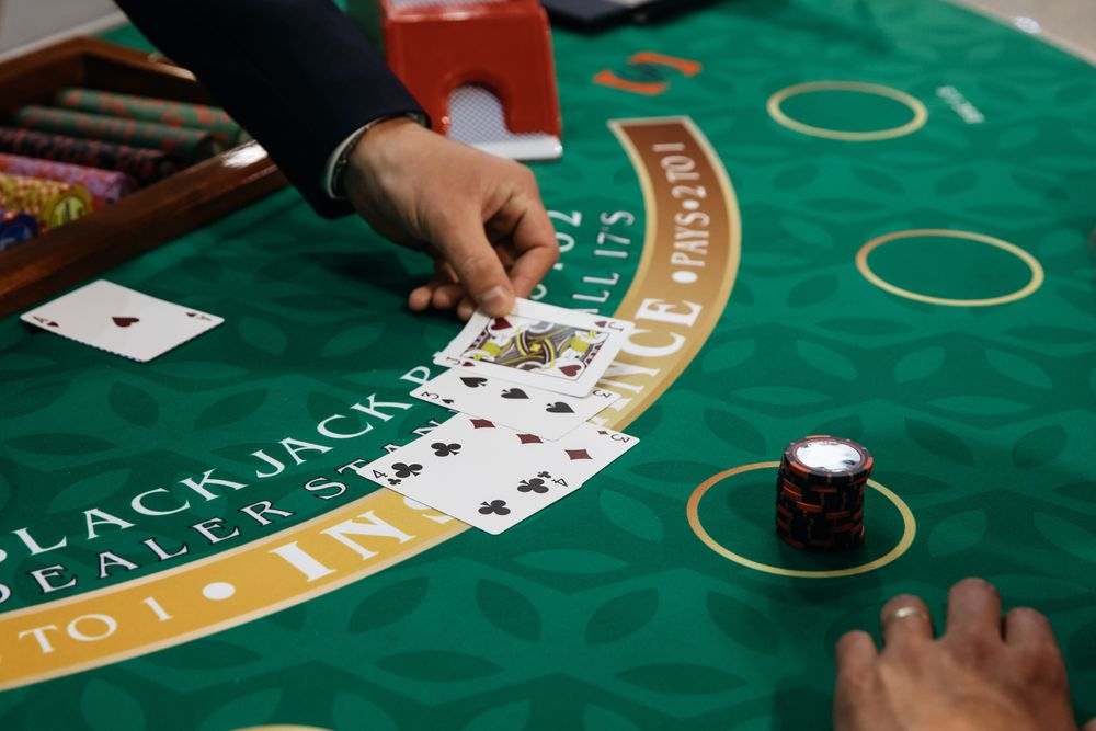 Macau's No Sucker in China's Hainan Gambling Experiment - Bloomberg