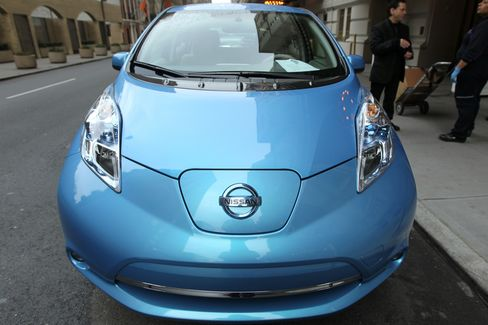 Nissan Poised to Sell Green-Vehicle Credits Tesla Started