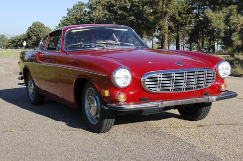 The 1968 Volvo P1800 was a 2+2 coupe, with a four-speed manual transmission.