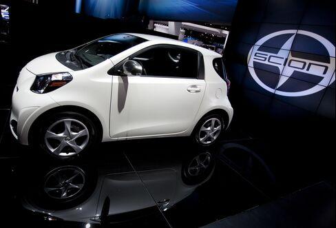 Generation Y Eschewing V-8 for 4G Threatens Auto Demand