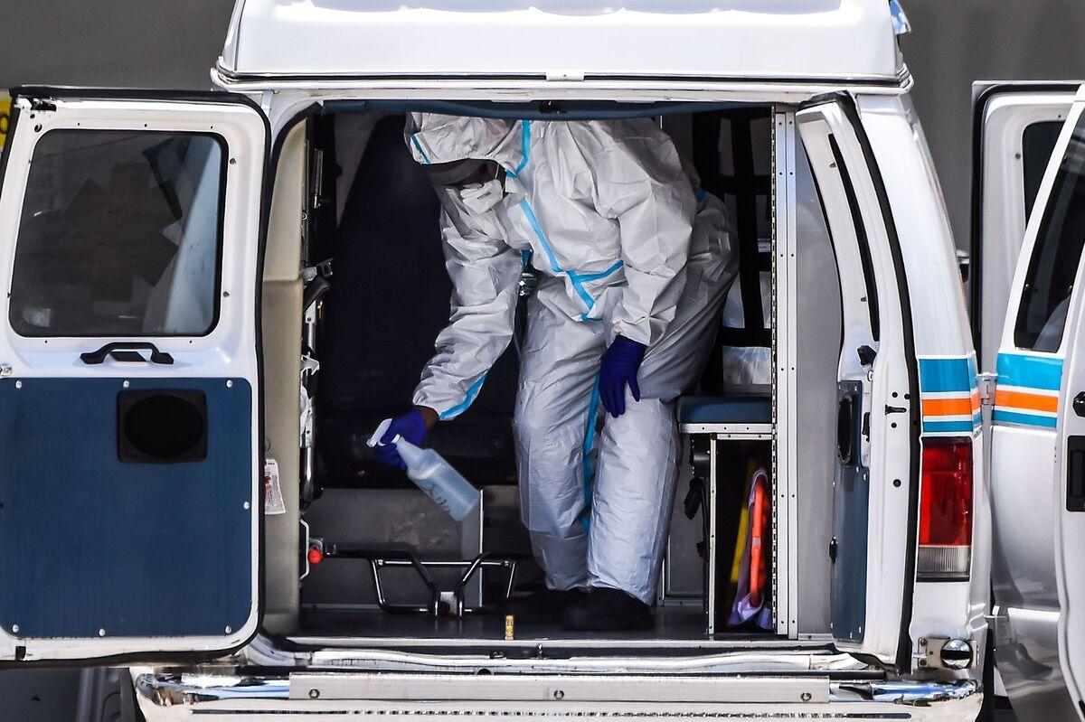 U.S. Cases Steady as Death Toll Nears 200,000: Virus Update