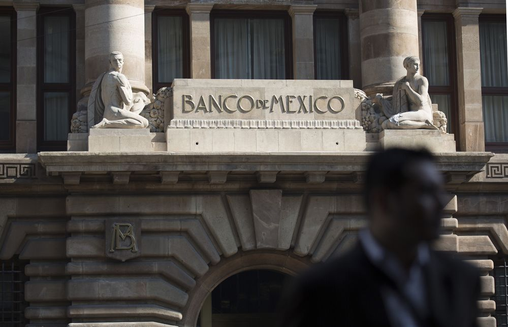 Mexico Says Possible Bank Hack Led to Large Cash Withdrawals - Bloomberg