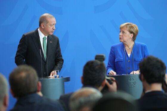 Merkel Seeks Restraint From Turkey After U.S. Syria Withdrawal