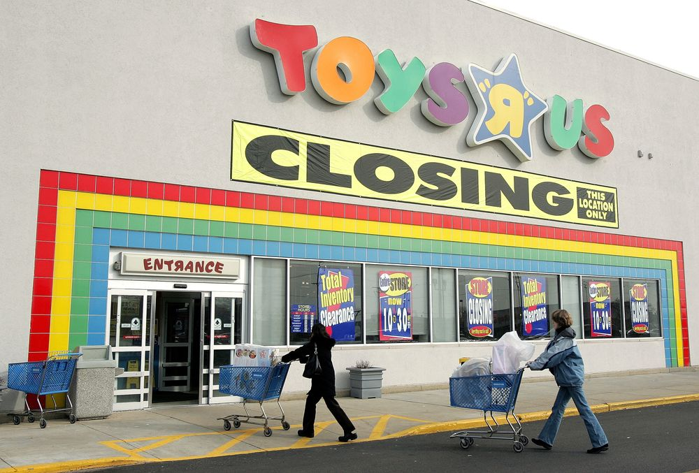 Toys R Us Store Closings A How Not To Guide For Retail Bloomberg