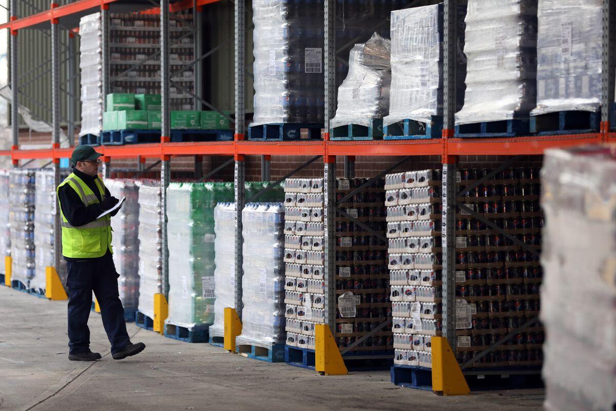 U.K. Factories See Flat Output Amid Stock Overhang, Weak Orders