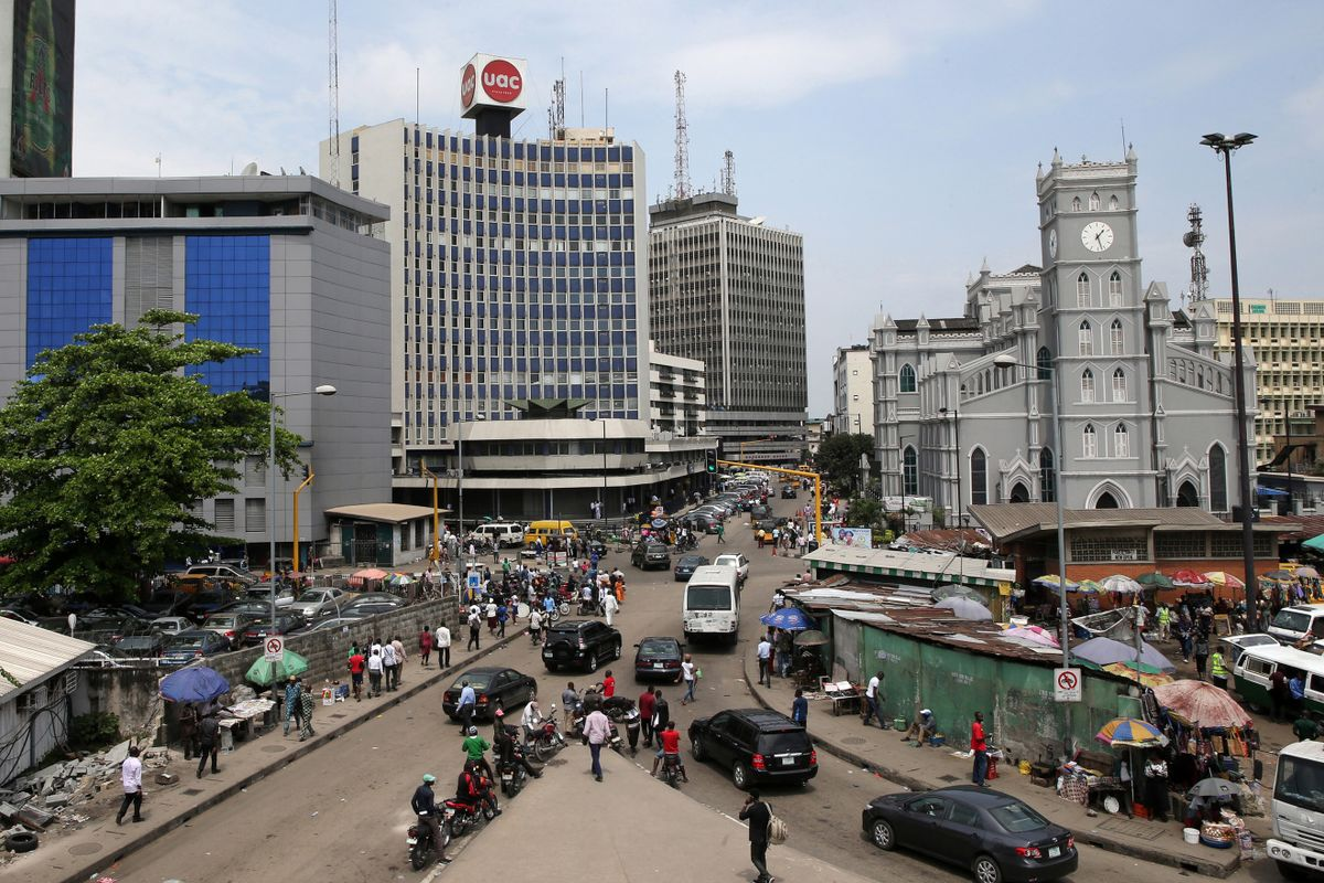 bloomberg.com - Emele Onu - Nigeria's Biggest Bank Picks Eight African Nations for Expansion