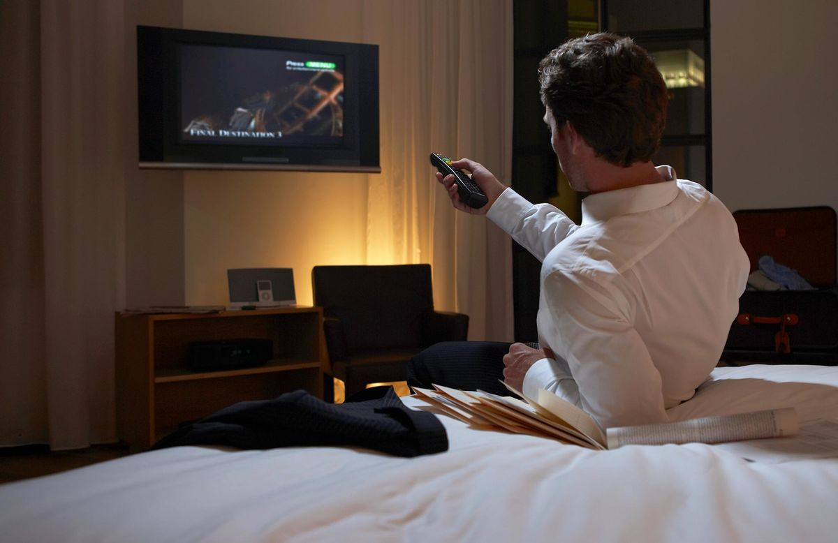 How to Hack Your Hotel's Finicky Wi-Fi to Stream Shows