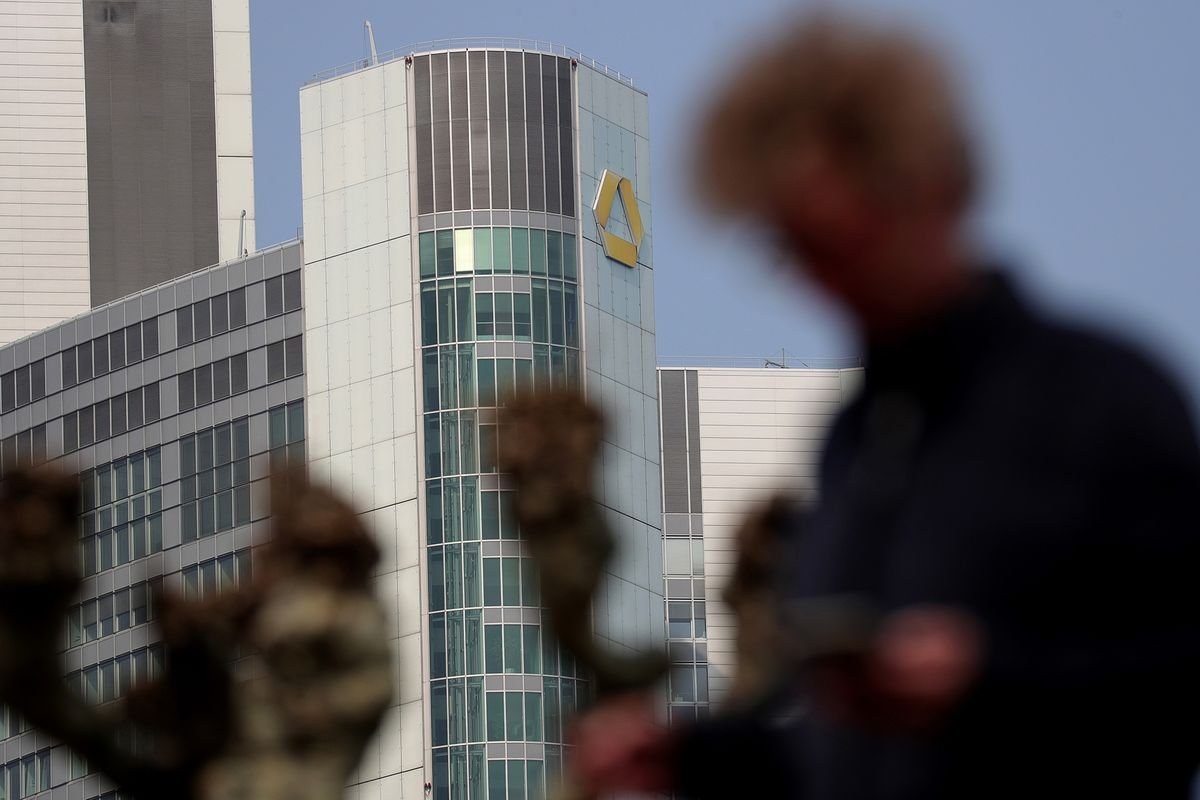 Commerzbank Cuts Revenue Outlook as Zielke Revamps Strategy