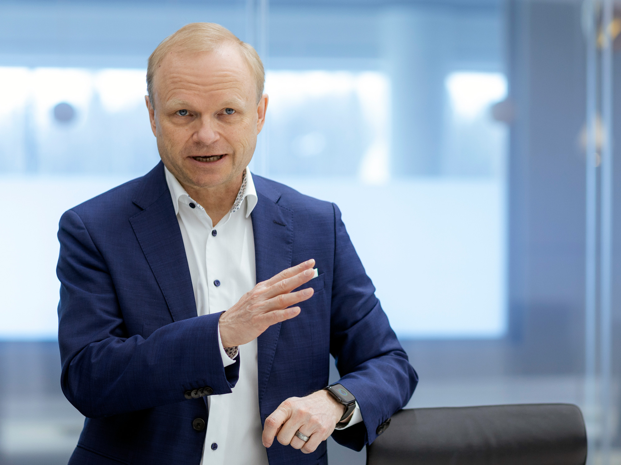 relates to Nokia CEO Says 'Fight' for Semiconductors May Drag On Until 2023