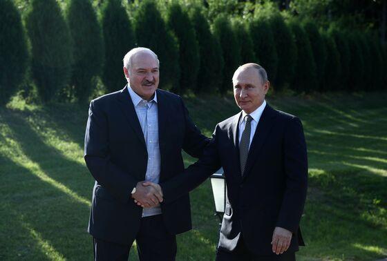 In Signal to Biden, Putin Embraces Ally Europe Shuns