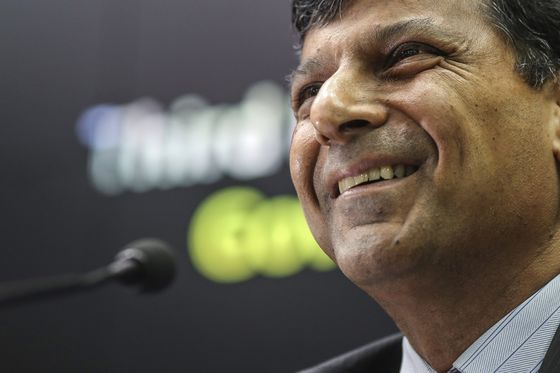 Rajan Says There's `No Right Answer' to Question on BOE Top Job