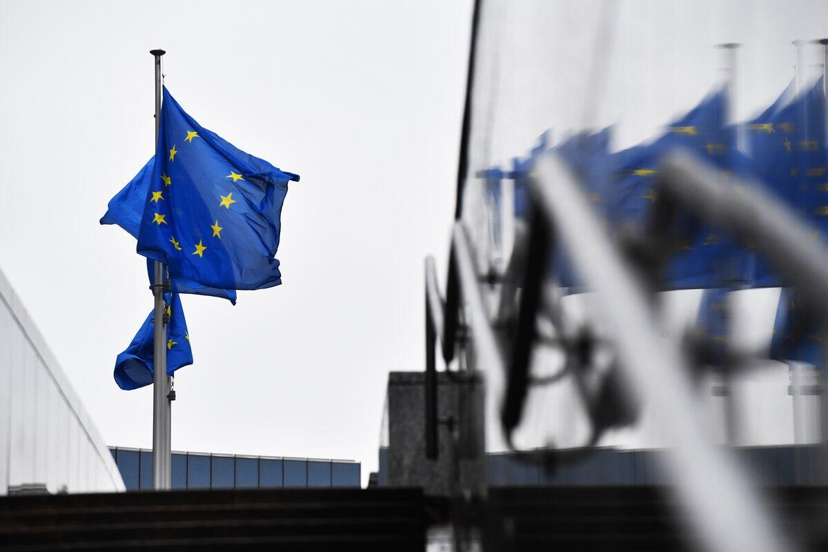 Brexit negotiators reach draft historic trade deal