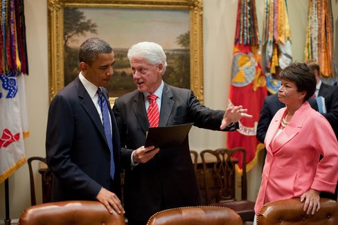 Obama Seeks to Entice Donors by Using Bill Clinton's Popularity
