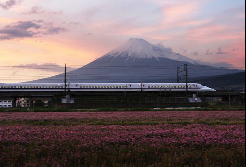 Japan's Bullet Trains Face Challenge From Low-Fare Airlines