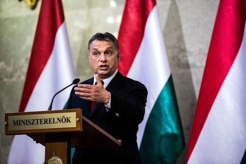 Orban Suspends Internet Tax Plan