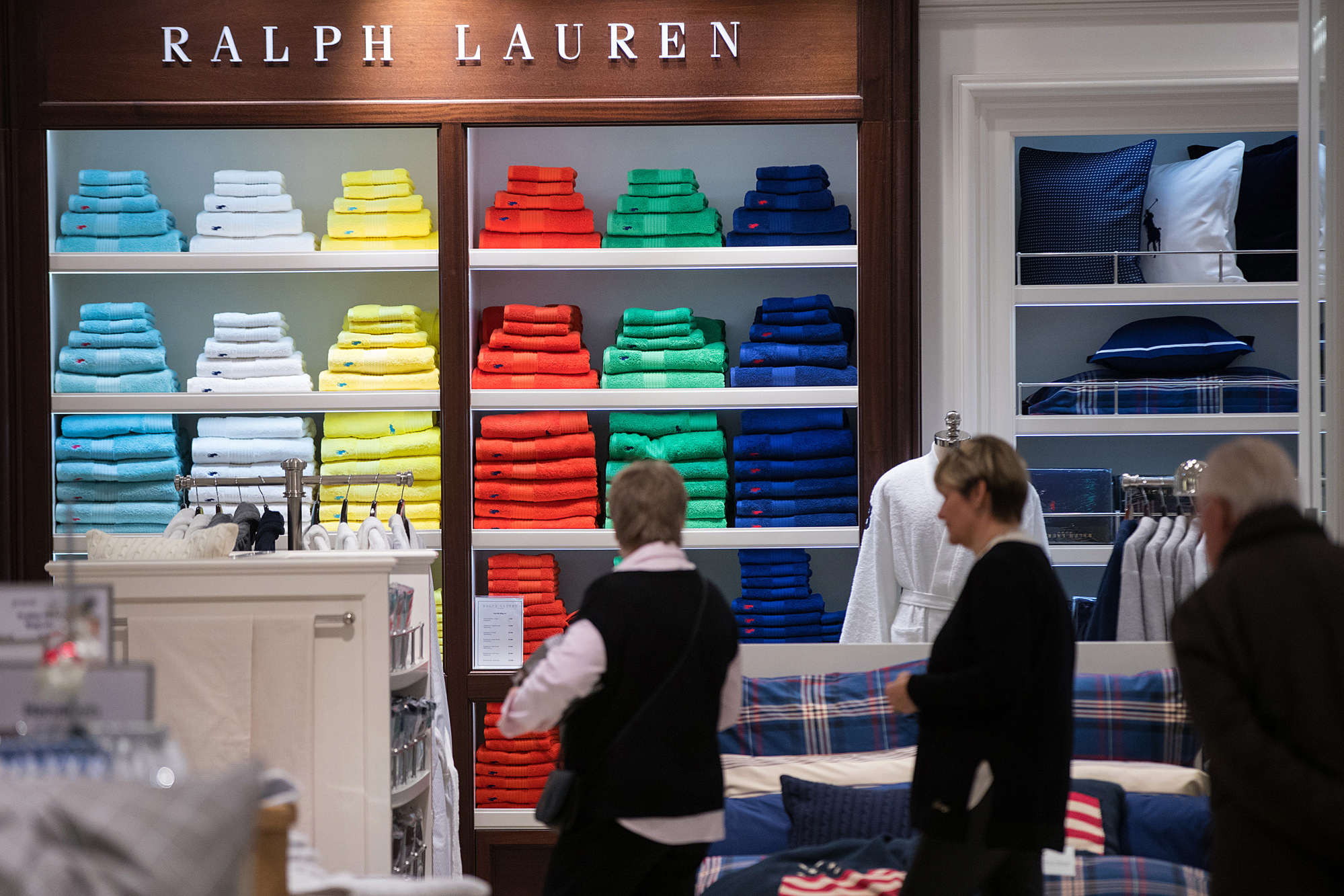 Ralph Lauren Shares Surge on Designer s Vote of Confidence in His CEO -  Bloomberg 277c4ec6c170
