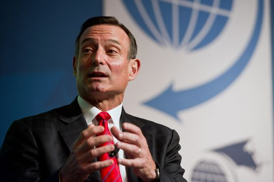 Ex-Pimco CEO Douglas Hodge Among Those Charged in College Bribe Scheme