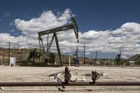 Oil Rises With Demand Optimism Offsetting Virus Concerns
