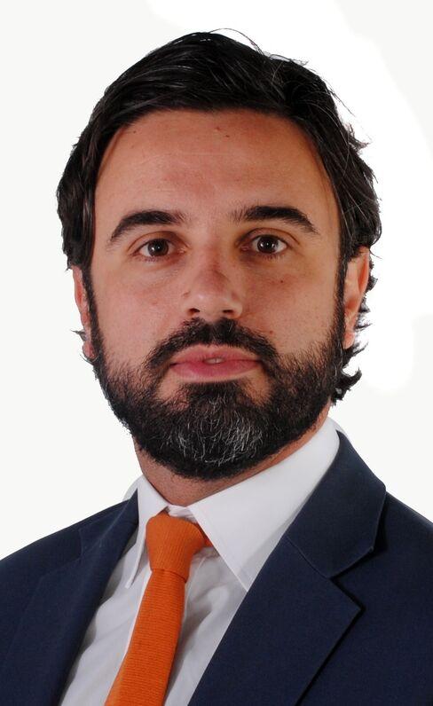 Christopher Flinos