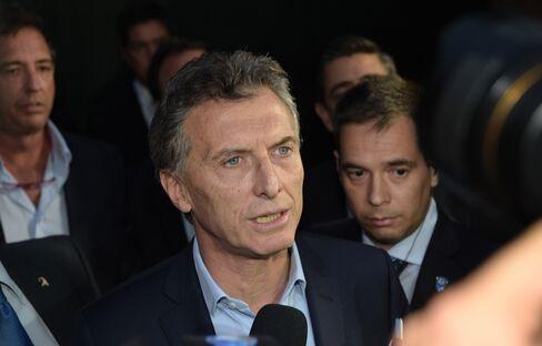 Mauricio Macri speaks to the media yesterday
