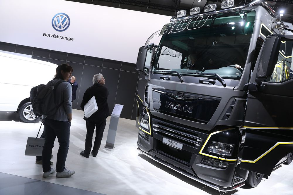 VW's $18.6 Billion Truck IPO to Test CEO's Overhaul Push