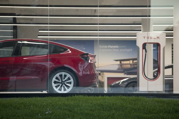 Tesla Service Centers as the Automaker Can't Overcome Australian Hostility to Electric Cars