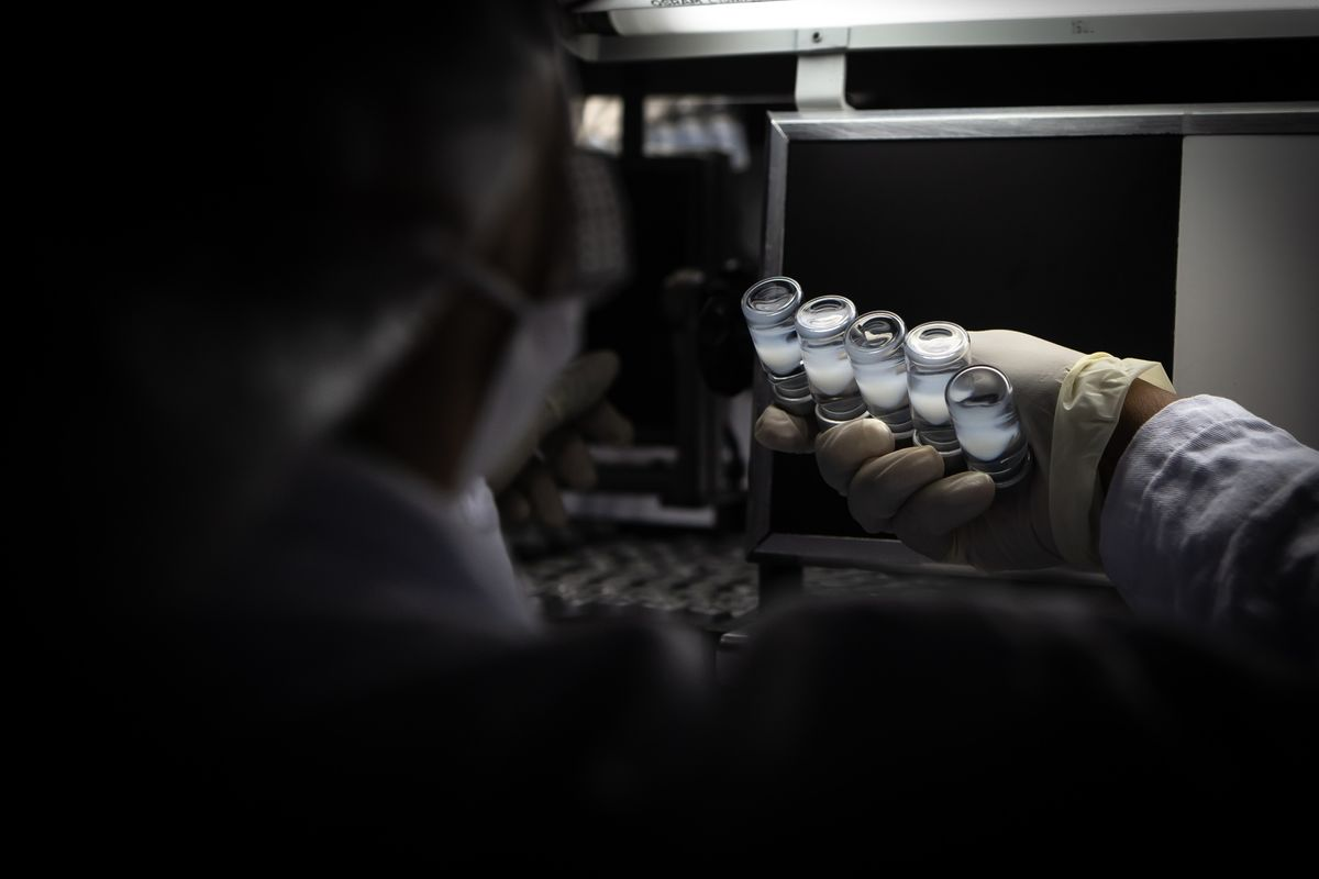 bloomberg.com - Andreo Calonzo - Philippines Allows Sinovac to Hold Covid Vaccine Trials