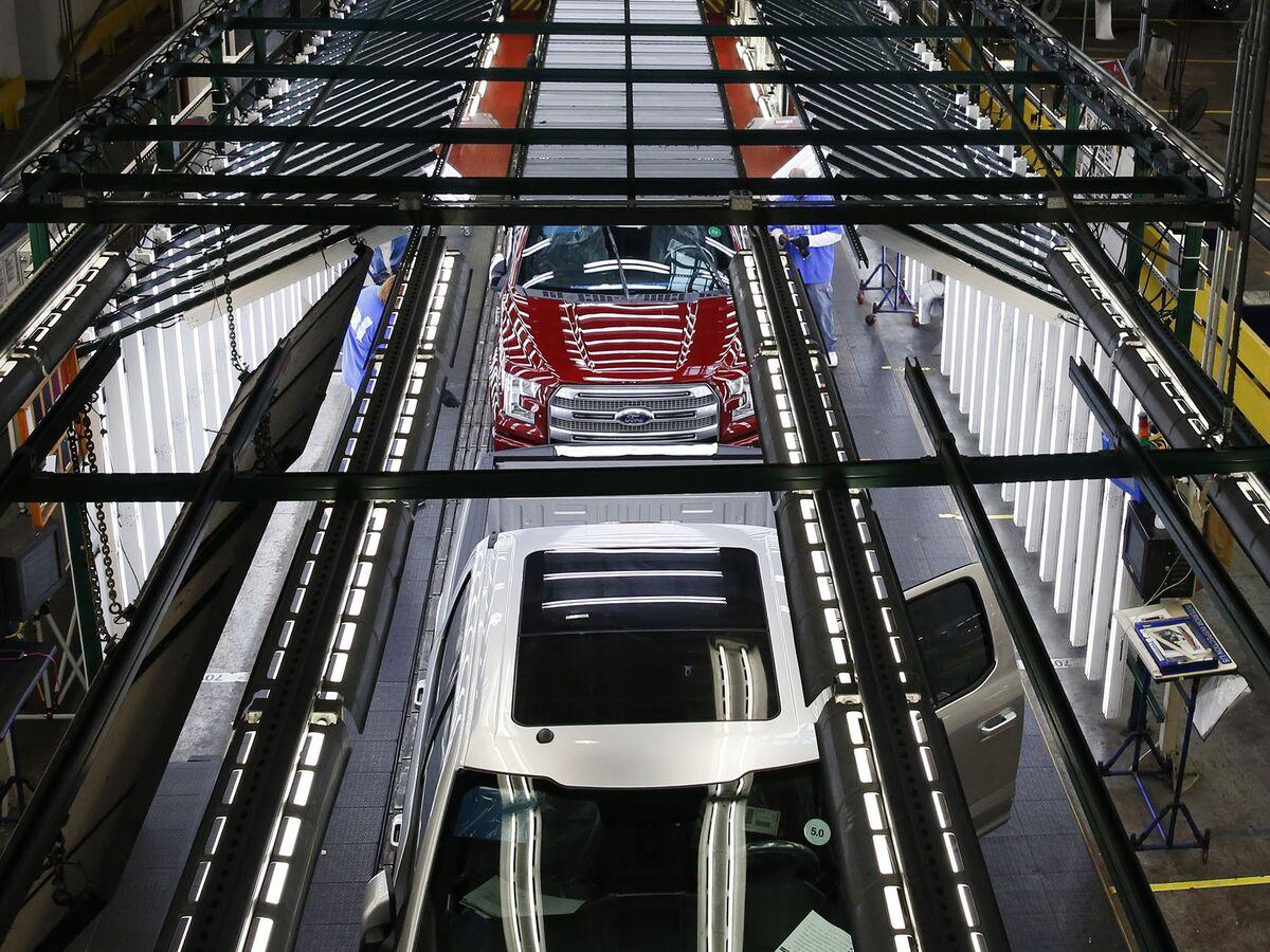 Ford Postpones Office Reopen in Midst of Factory Floor Tension