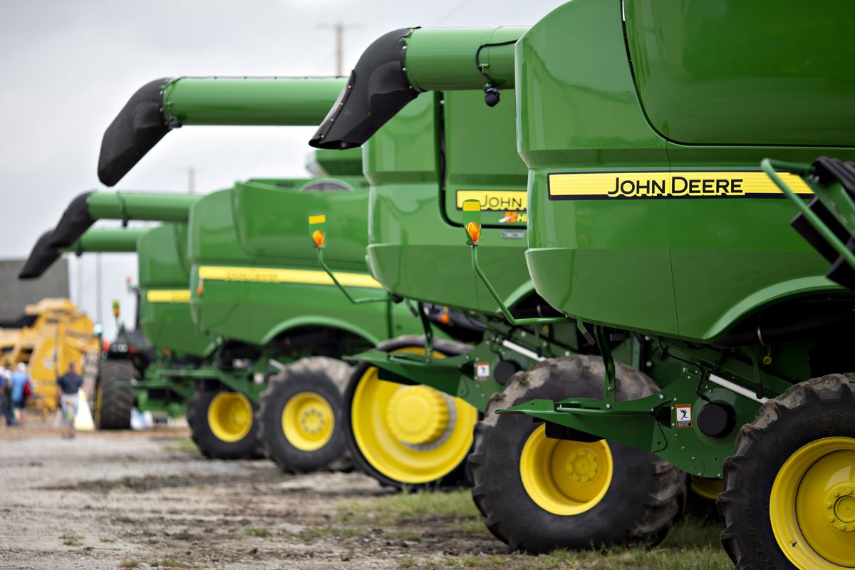 Deere Cuts Guidance as Trade War Undermines Sales; Shares Fall