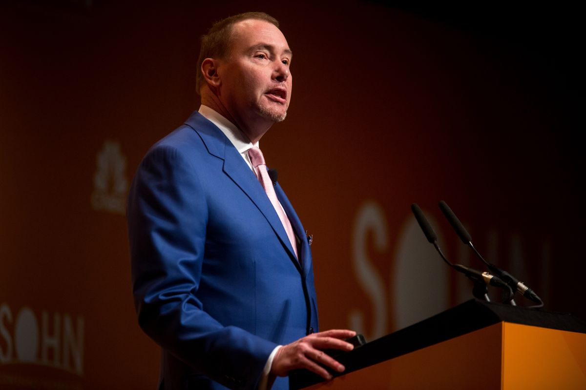 Jeff Gundlach Says It's Time to Go Short on Facebook