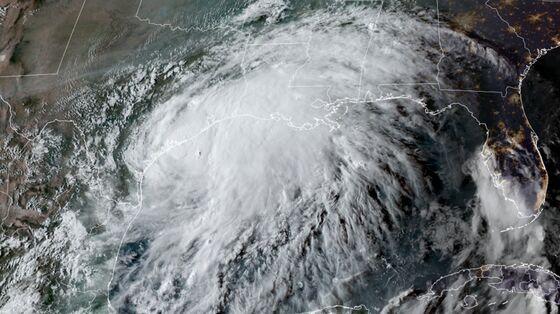 Nicholas Threatens to Lash Gulf Coast With Rain for Days