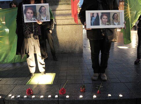 Kurdish Women Assassinated as Turkey Talks to PKK Militants
