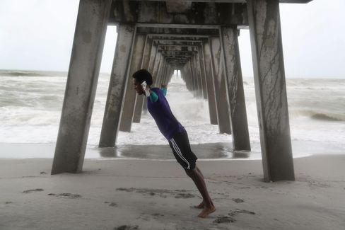 Tropical Storm Colin Ploughs Through Florida