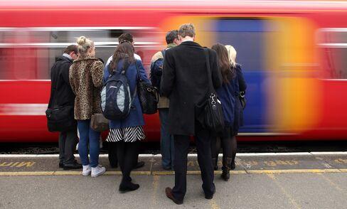 U.K. Pledges 9 Billion Pounds for Rail to Boost Economic Growth