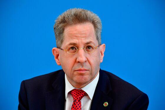 Migration Clash Stalks Merkel's Coalition After Far-Right Unrest