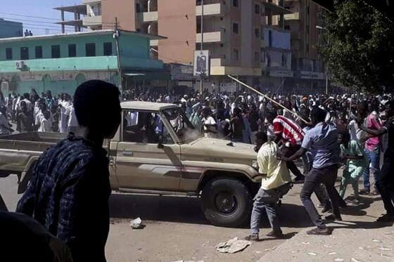 SudaneseProtesters Brave Bullets Seekingan End to Leader's Three-Decade Rule