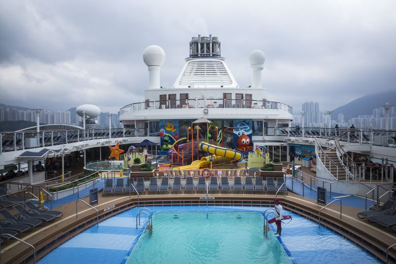 Cruises Boom As Millions Of Chinese Take To The Seas Bloomberg - Chinese cruise ship