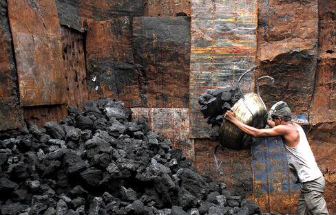 Coal Miner's $1.4 Billion Rail to End Imports
